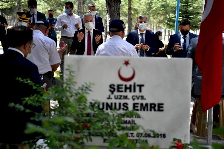 Zafer Bayramı'nda Aziz Şehitlerimiz ve Kahraman Gazilerimiz Unutulmadı