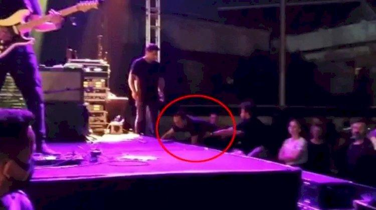 Kıraç, konserde sahneye çıkarken yere kapaklandı